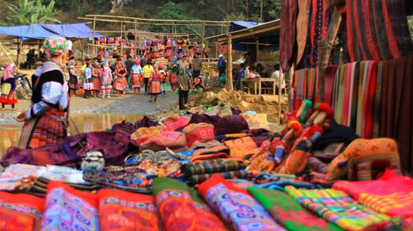 Phiên chợ Đồng Văn – một nét văn hóa đặc trưng của vùng cao.